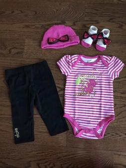 NIB JUICY COUTURE Infant Baby Girls 4 Piece Gift Box Layette