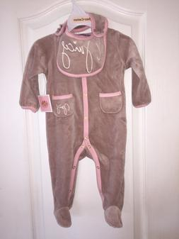 NWT Juicy Couture Velour One-piece /Bib Gift Set Baby Shower